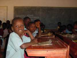 children-in-malawi-school