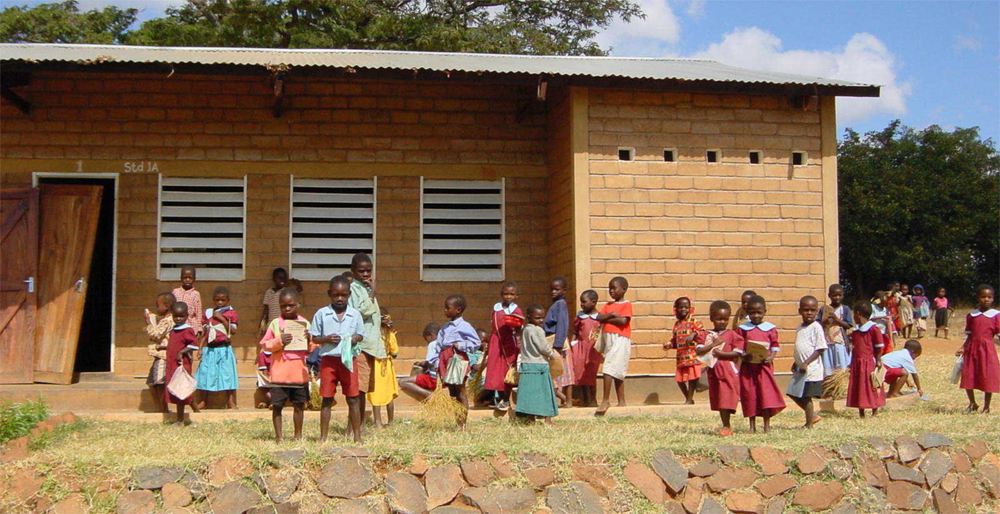 Malawi school children small